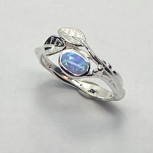 Opalite Set ring with Leaves