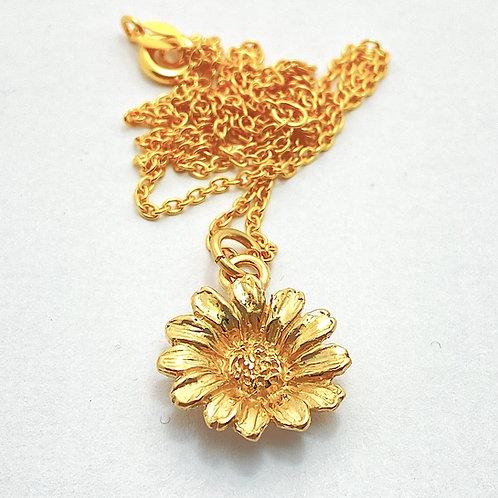 Gold plate Daisy Pendant