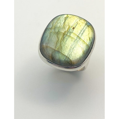 Labradorite Classic Ring