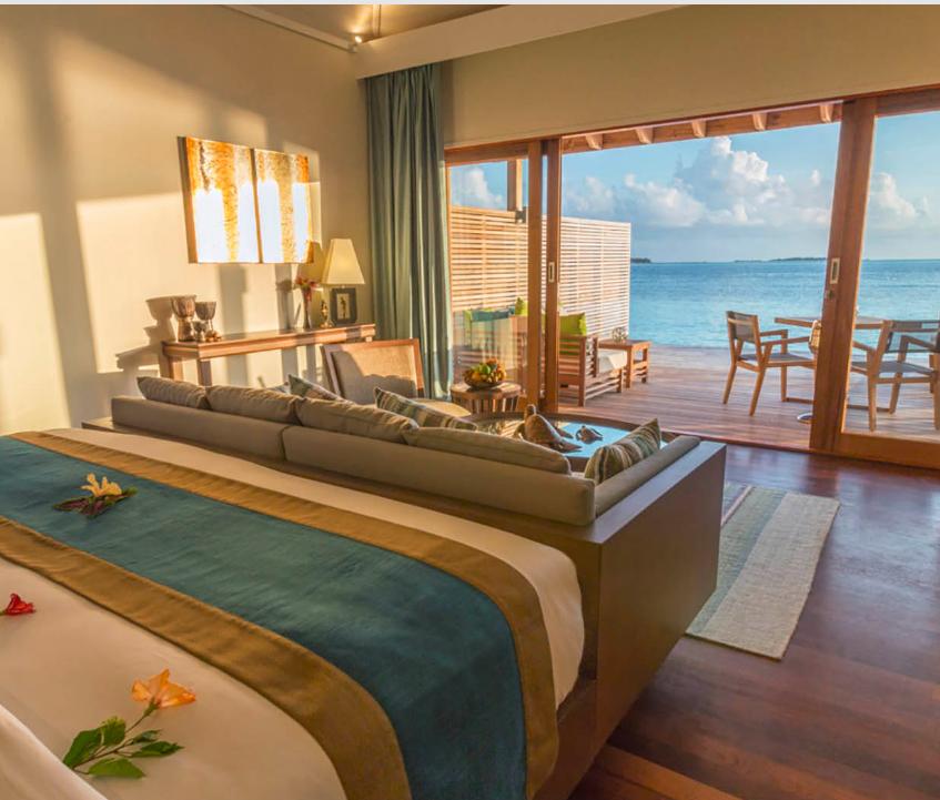 maldives underwater vow renewal room