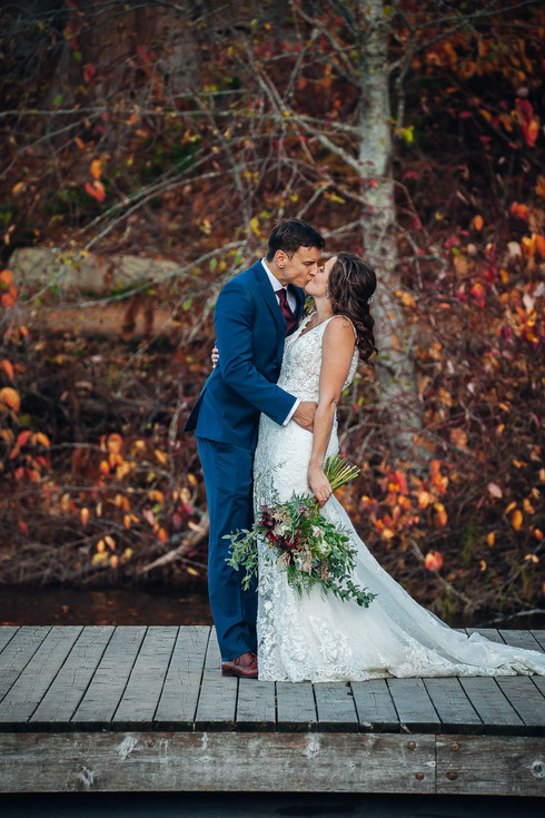 Kelowna Intimate Wedding Photography with a Rustic Touch | Madison Cook Photography