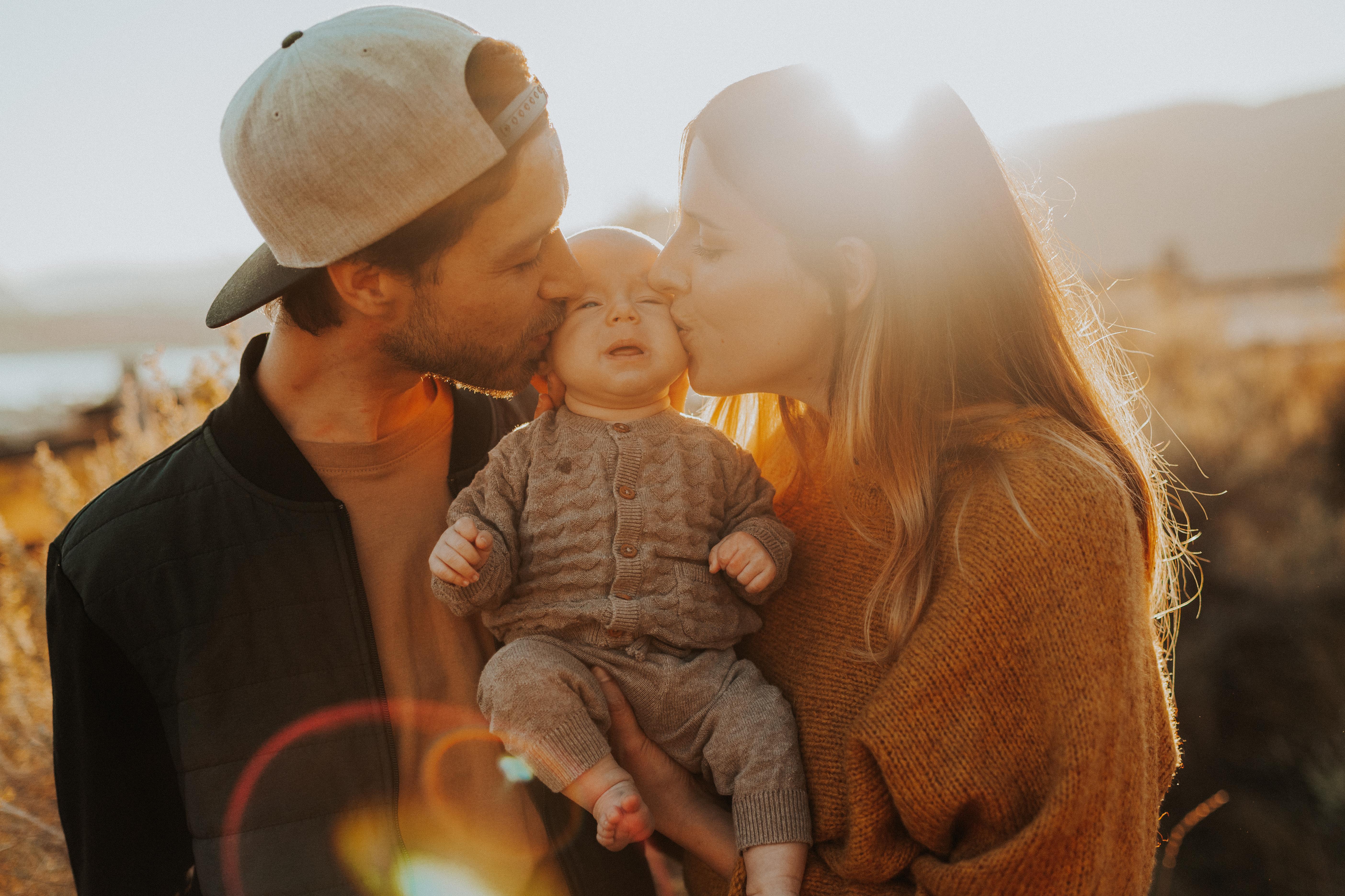 Family Photoshoot, Downtown Kelowna, Ins