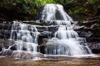 Laurel-Falls-Trail-Beautiful-Scenery-80-Foot-Waterfall-5a6215273990e.jpg