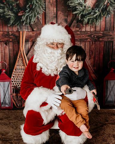 Wyeth & Santa 2020-34.jpg