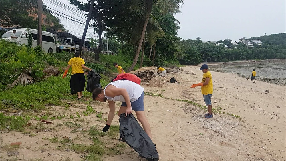 koh samui trash hero beach clean up thailand