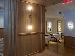 Interior_2_Entrance.jpg