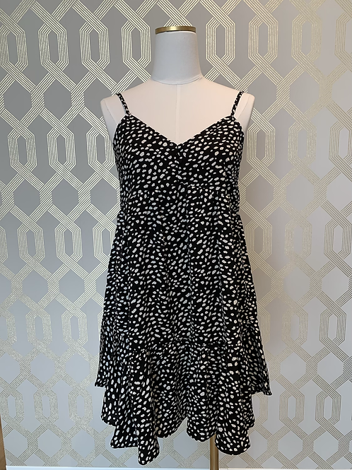 PRINTED BABY DOLL DRESS W/ BUTTON DETAIL