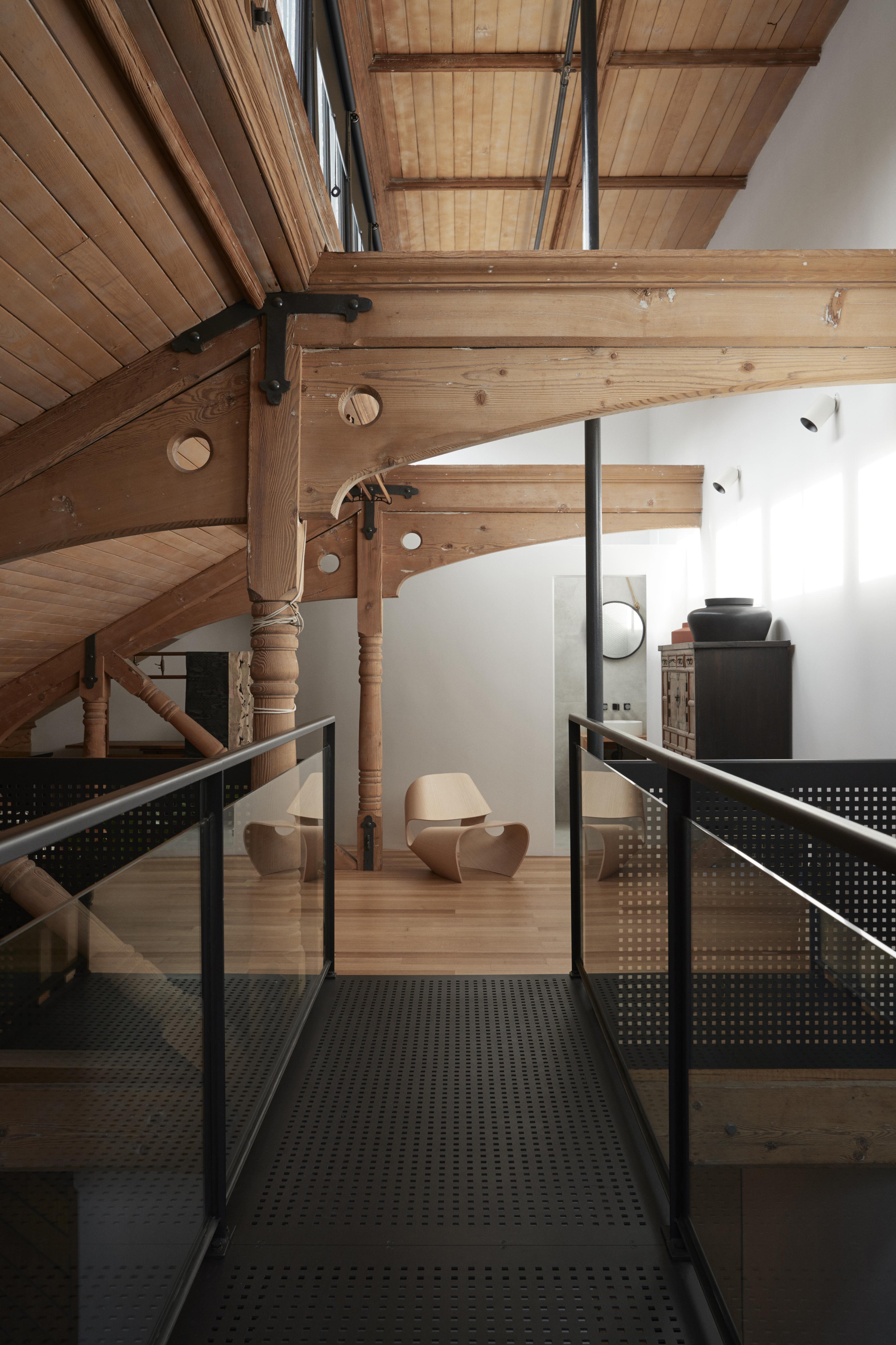 Henry Francis Design Skywalk Apt