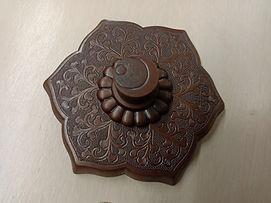 星のや京都の屋形舟の六葉金具