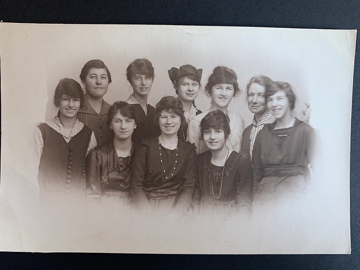January 1919 Smiling Ladies