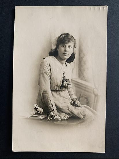 Nelly Marshall Genealogy info Postcard