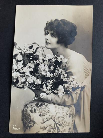 Beautiful Edwardian Lady Postcard