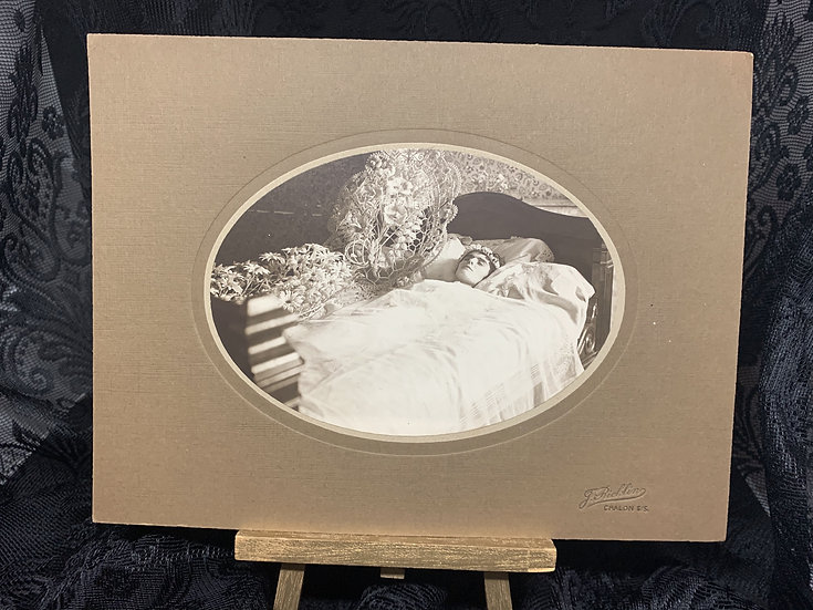 Stunning Large Post Mortem Photograph