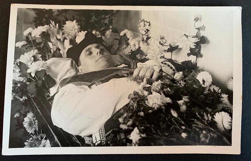 Post Mortem Religious Gentleman