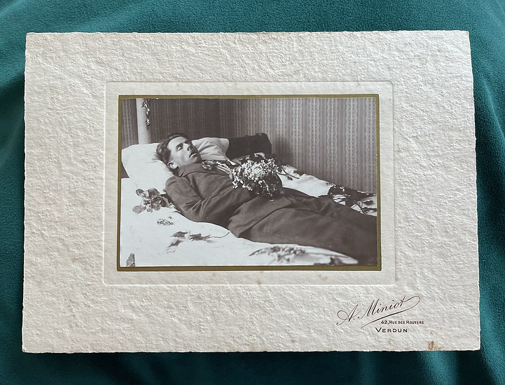 Post Mortem mounted photograph