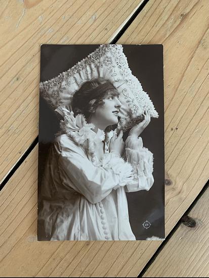 Lovely 1917 Photo Postcard