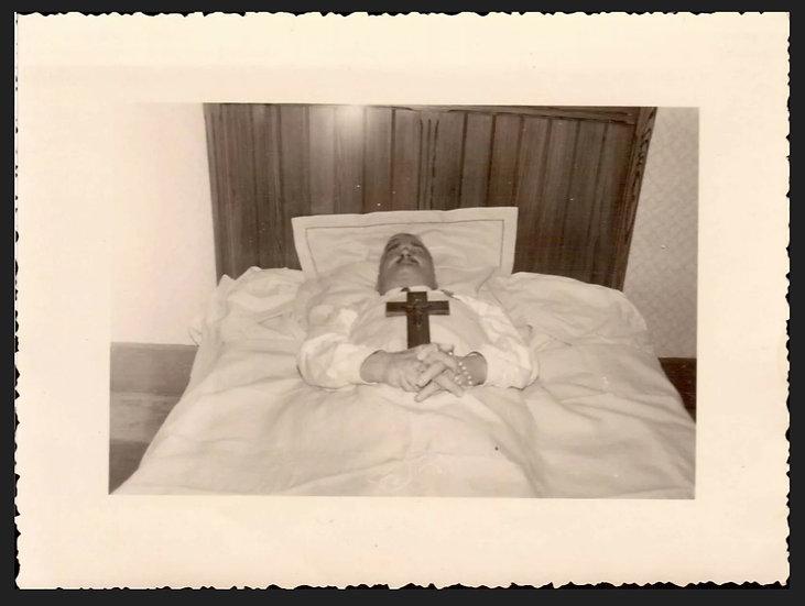 Post Mortem Gentleman with Cross
