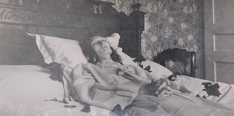 Post Mortem Young Lady