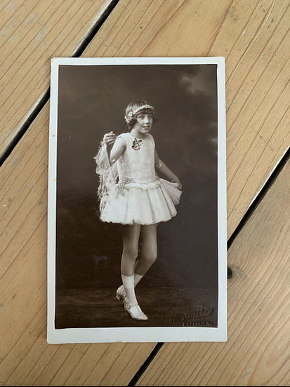 Young Girl Dancer/Performer