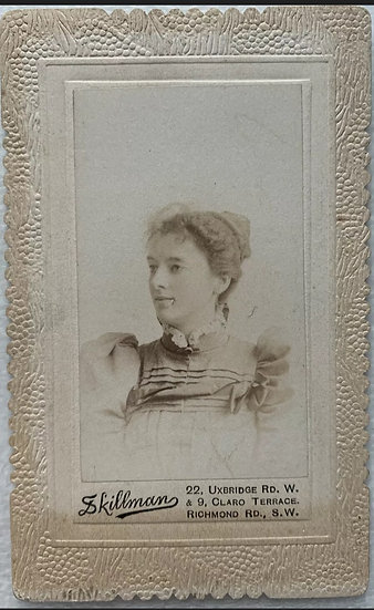 Scallop Edged CDV of a Lady