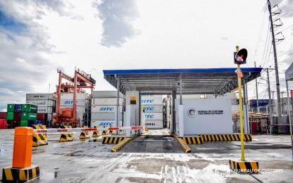 Customs installs portal-type X-ray machine at Davao port