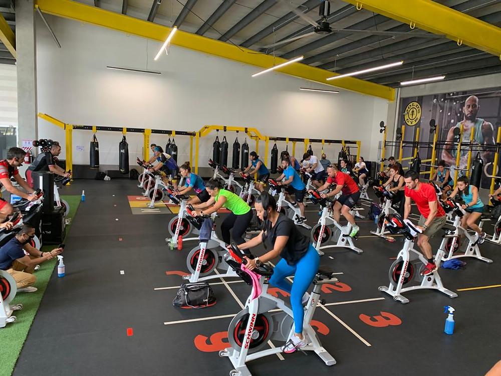Profesores de Gold's Gym capacitándose internacionalmente.