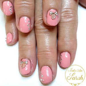 Kurze Rosa Nails mit Overlay.jpg