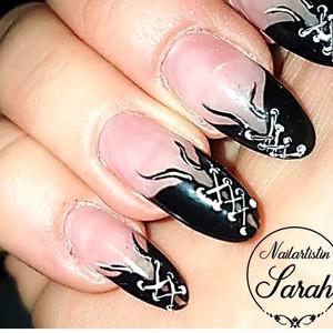Mäscheli Nails Gothic Nails.jpg