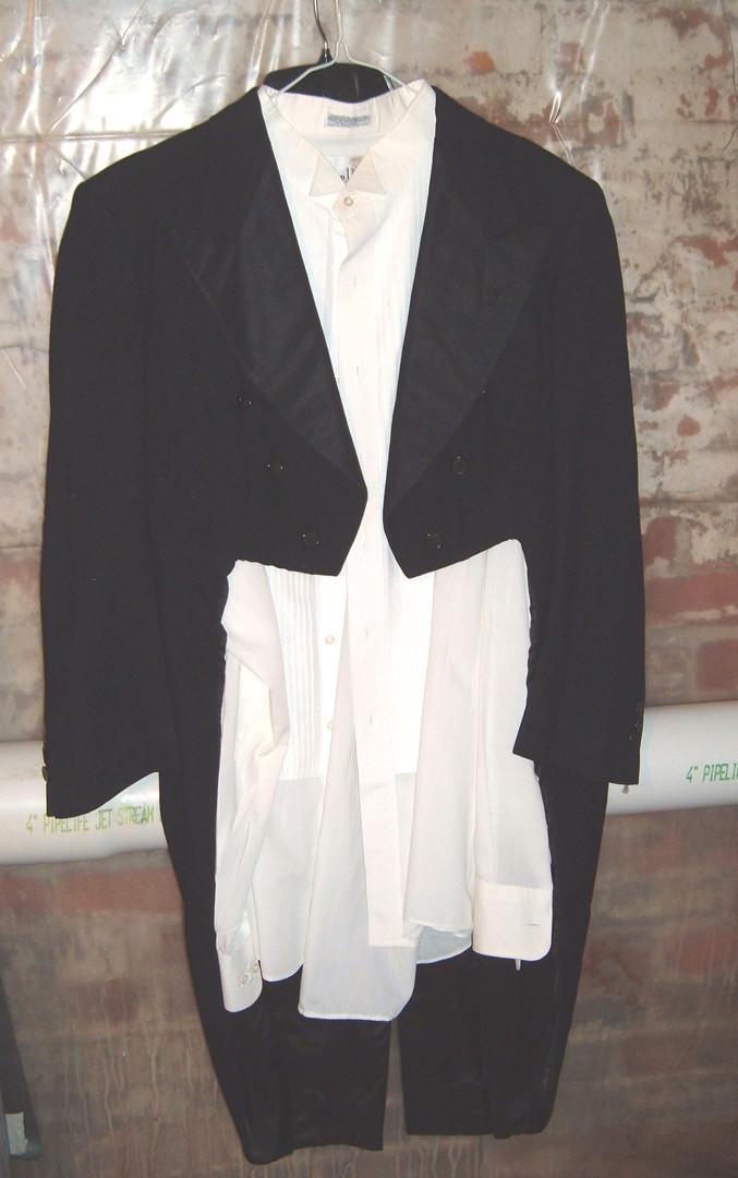 costume closet tuxedo jacket w tails.jpg