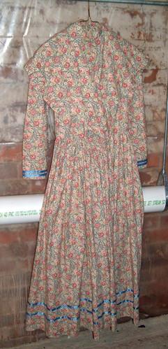 costume closet youth prairie dress.jpg