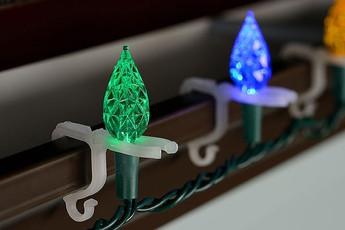 hang-christmas-lights03.jpg
