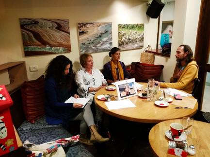 הצוות מסכם את מפגש ׳מת לקפה׳ במסגרת פסטיבל שייח׳ אבריק 4.2019