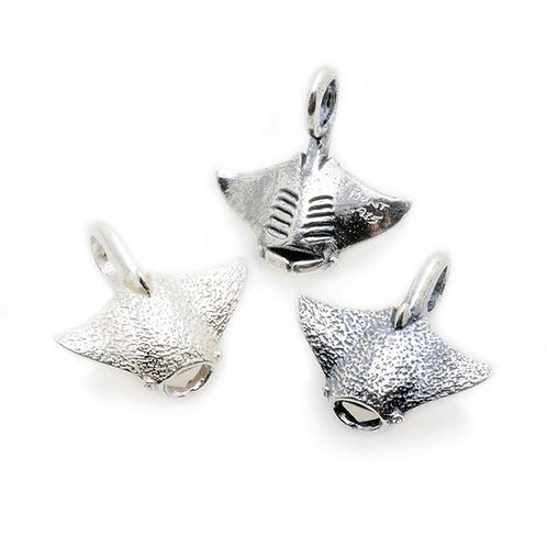 Silver Charm | Manta Ray