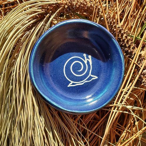 snail - little blue plate