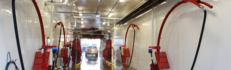 Car wash water supply system and floor drainage system with sand separators