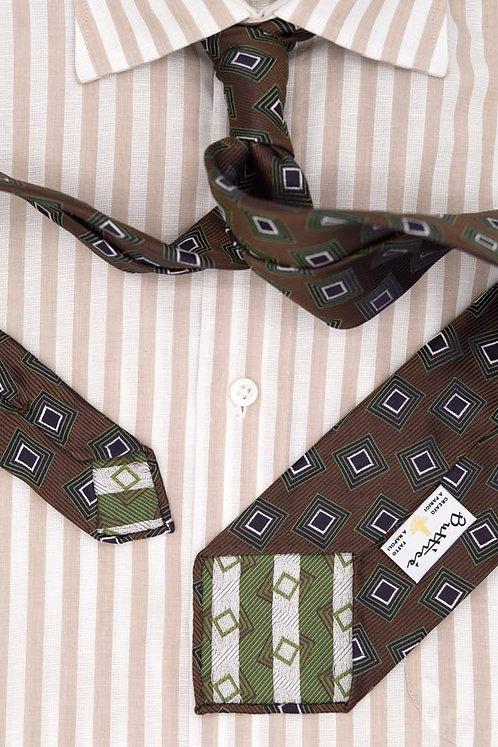 Cravate jacquard marron : motifs carrés verts
