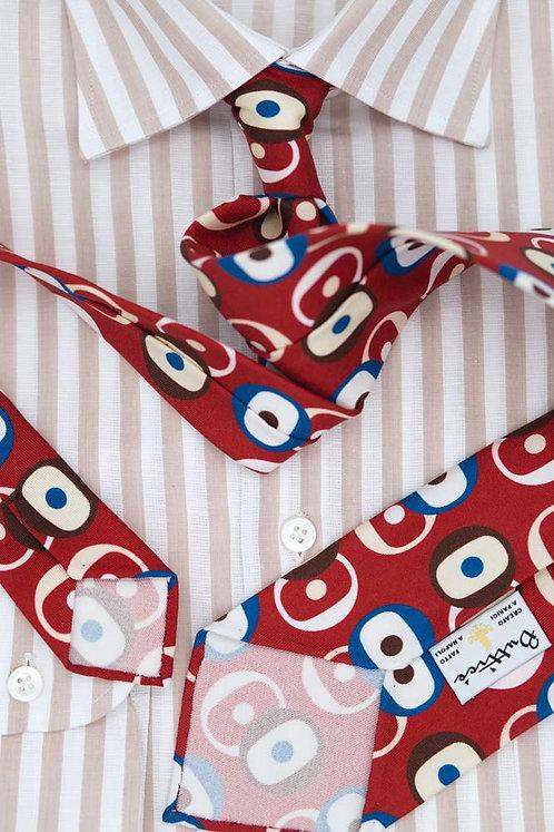 Cravate imprimée rouge : motifs formes rondes