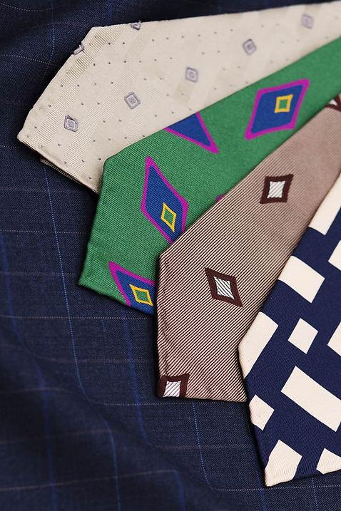 cravates-buttice-paris-naples-tissu-cost