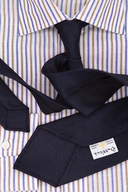 Cravate jacquard bleue : motifs vagues