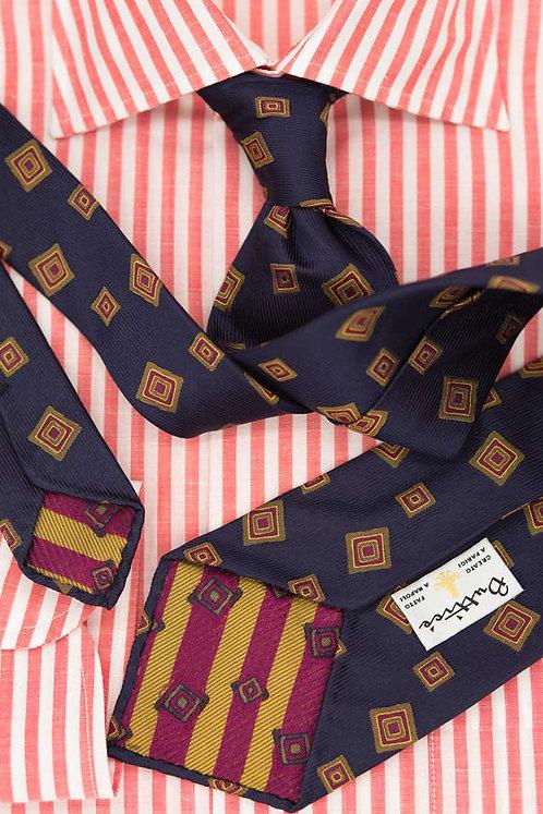 Cravate jacquard bleue : motifs carrés verts/bordeaux