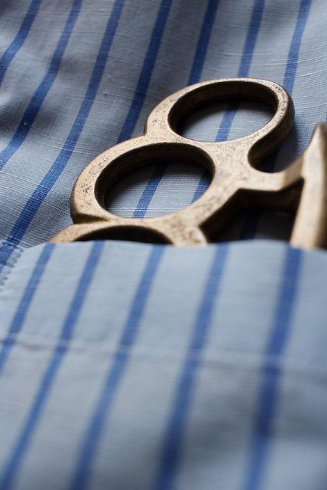 poche-poitrine-chemise-buttice-banchiere