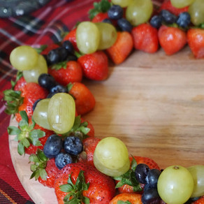 Simple Holiday Fruit Wreath Board