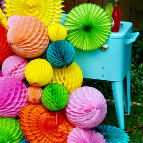 Colorful Honeycomb Cooler Station with Devra Party