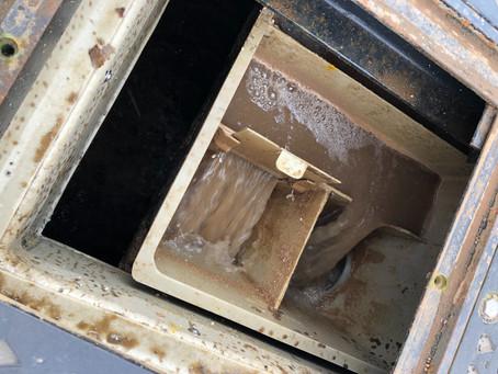 排水量と槽容積の関係