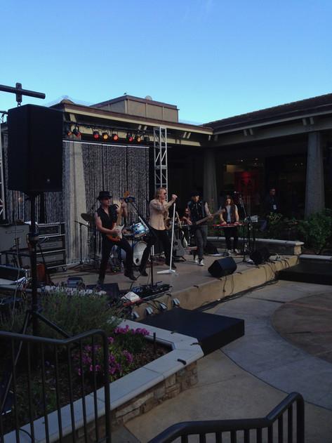 Del Monte Center Concert Series
