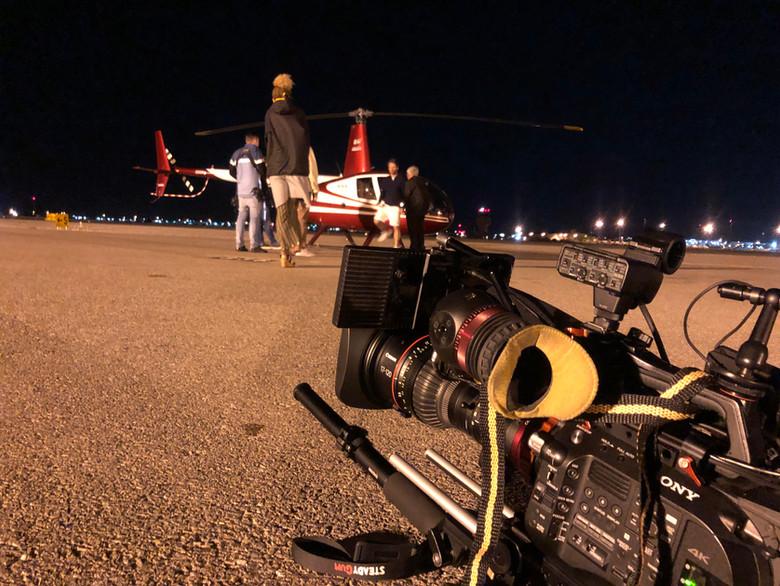 Kamerateam am Helikopter