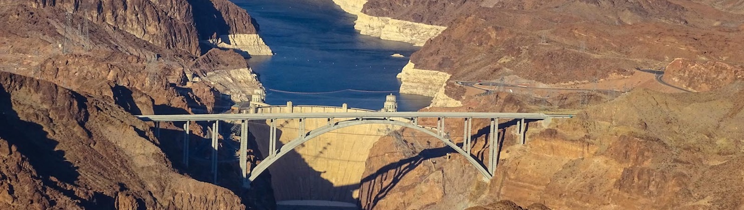 LasVegas-Treasure-Tours-of-Nevada-deutsche-Touren-Flugzeug-Hoover-Damm-Flug