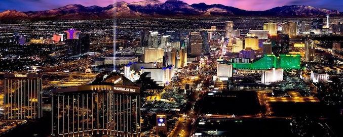 Hubschrauber Nachtflug über den Las Vegas Strip - Treasure Tours of Nevada - deutsche Touren