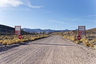 Area 51 Basis - Warnschild - Treasure Tours of Nevada - deutsche Touren