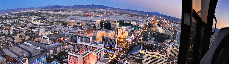 LasVegas-Treasure-Tours-of-Nevada-deutsche-Tour-Hubschrauber-Flug-Las-Vegas-bei-Nacht